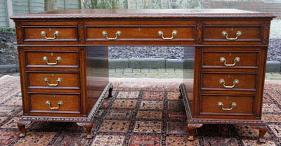 Antique Mahogany Kneehole Desk by Gillows